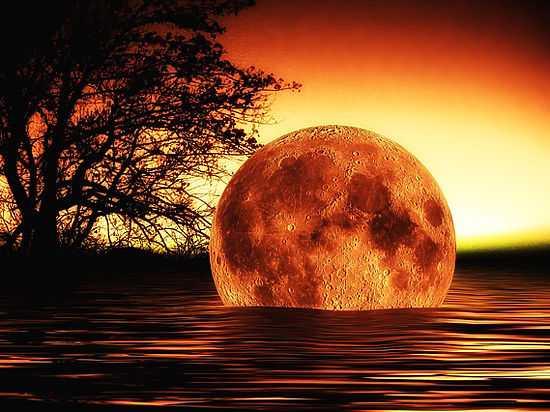 В далеком прошлом Луна была насквозь пропитана водой