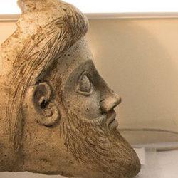 На строительстве моста в Крыму обнаружена голова античного божества