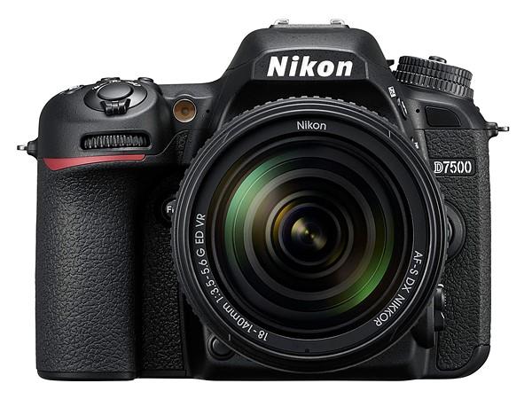 Зеркальная камера среднего уровня Nikon D7500 унаследовала датчик модели D500 и поддерживает запись видео 4К