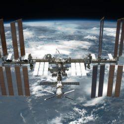 Участник первой экспедиции на Луну призвал NASA отказаться от МКС