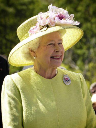 Каждый пятый россиянин объявлен родственником британской королевы