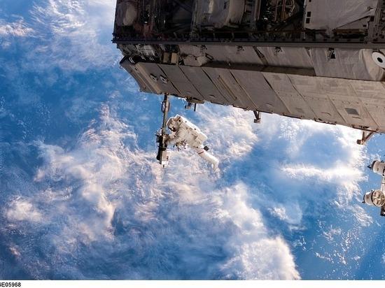 Стала известна причина задержки Юрчихина и Рязанского в открытом космосе
