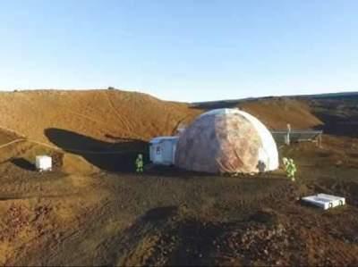Будущие жители Марса возвратились к цивилизации после 8-месячной изоляции