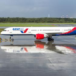 Azur Air стала лидером по росту выручки среди крупных авиакомпаний России