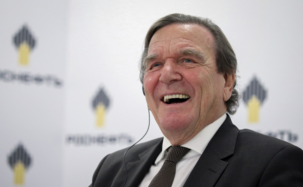 Лоббист для «Роснефти»: чем поможет Сечину бывший канцлер Германии