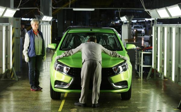 Акционер АвтоВАЗа предсказал двукратный рост продаж Lada к 2022 году