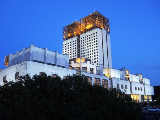 Президент РАН предложил обсудить структуру ВАК после скандала с Мединским