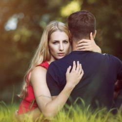 Названы основные признаки супружеской измены
