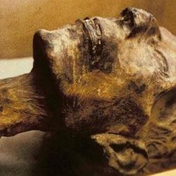 В Киргизии ученые и власти не могут поделить мумию