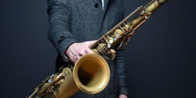 Ученые узнали, как различная музыка влияет на мозг исполнителя