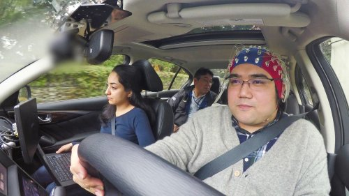Компания Nissan демонстрирует интерфейс мозг-компьютер, позволяющий предугадать действия водителя