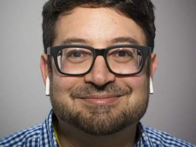 Пользователи AirPods засыпали Apple жалобами на головную боль » Хроника мировых событий
