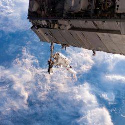 Новые скафандры «развяжут руки» космонавтам на МКС