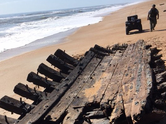 Подарок «треугольника сокровищ»: на берег Флориды выбросило старинный корабль