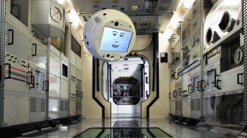CIMON, помощник, оснащенный искусственным интеллектом, скоро станет членом экипажа Международной космической станции