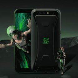 Xiaomi представила игровой смартфон со съемным геймпадом