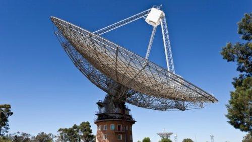 """Австралийский радиотелескоп зарегистрировал самый """"яркий"""" из быстрых радиоимпульсов"""