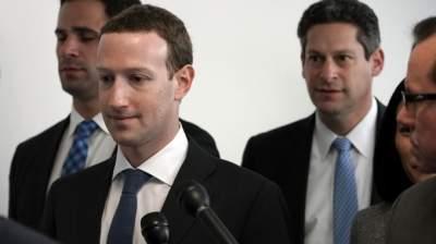 Взял вину на себя: Цукерберг извинился за Facebook