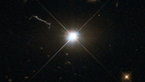 "Найдена самая быстрорастущая черная дыра, которая ""съедает Солнце"" за двое суток"