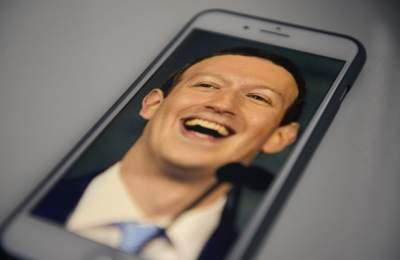 Facebook теряет популярность в США