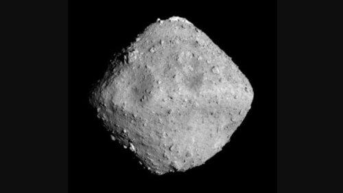 Японский космический аппарат Hayabusa 2 вышел на орбиту вокруг астероида Рюгу
