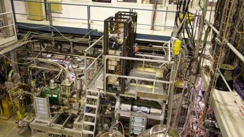 Антиматерия, находящаяся в свободном падении, позволит ученым изучить ее взаимодействие с силами гравитации