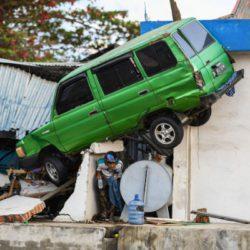 Землетрясение и цунами в Индонезии