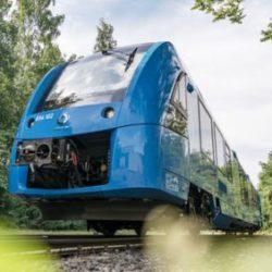 По железным дорогам Германии начал курсировать первый водородный поезд