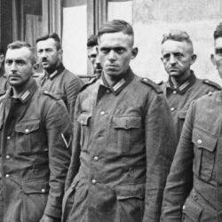Солдат Коля пил много, поэтому упустил немца