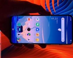 Опубликован новый снимок флагманского смартфона OnePlus 7