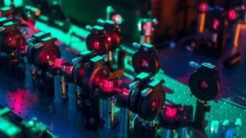 Создан квантовый компьютер, способный предсказывать 16 вариантов развития будущего