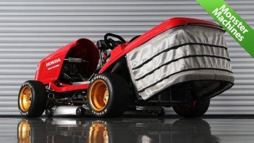 Машины-монстры: Mean Mower V2 - газонокосилка компании Honda, способная разгоняться быстрее 240 км/ч