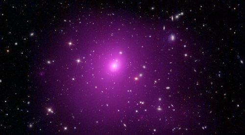 Астрономы обнаружили черную дыру, которая стала новым рекордсменом по массе и размерам на сегодняшний день