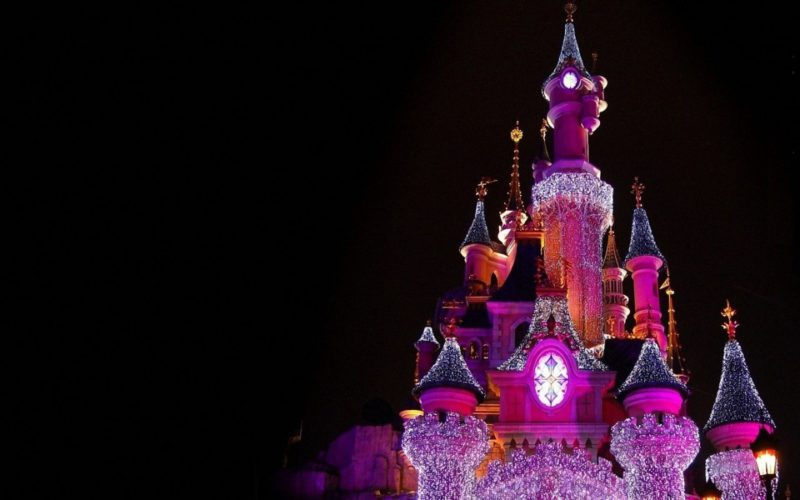 Совместная работа Disney и Yellow, Black & White