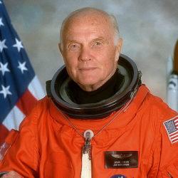 «Последний национальный герой Америки»: умер астронавт Джон Гленн