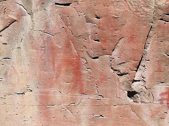 Тысячелетние наскальные рисунки с буддистскими фигурами обнаружены в Тибете
