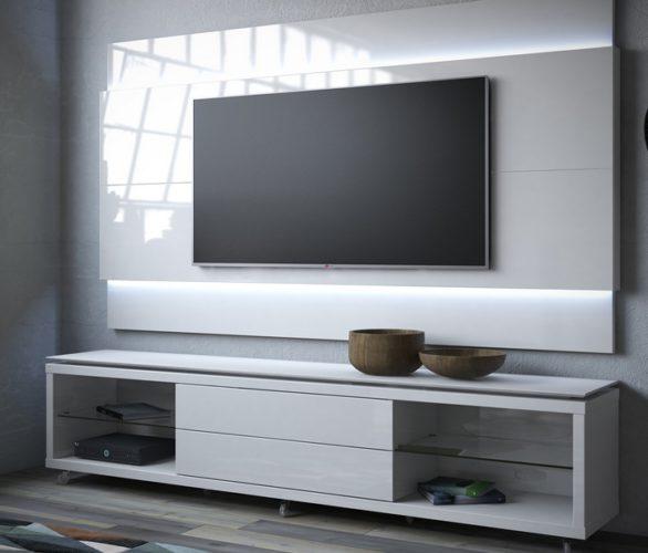 Поставки телевизионных ЖК-панелей в прошлом году незначительно снизились