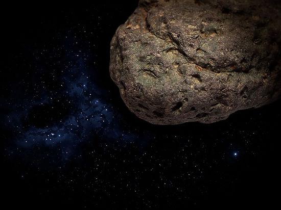 Земля вновь едва разминулась с астероидом, замеченным в последний момент