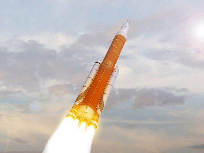 Первый запуск ракеты-носителя SLS могут сделать пилотируемым, но это потребует трёхлетней отсрочки