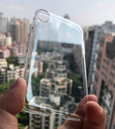 Первая фотография чехла для смартфона iPhone 8 подтверждает наличие сдвоенной камеры и отсутствие сканера отпечатков пальцев на задней панели