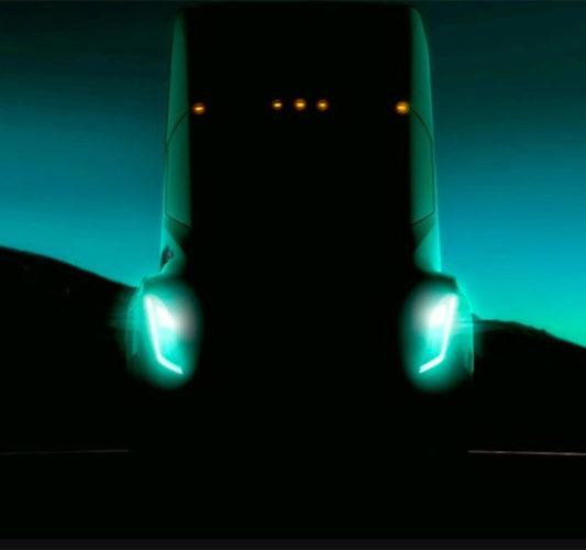 Опубликовано первое изображение грузовика Tesla