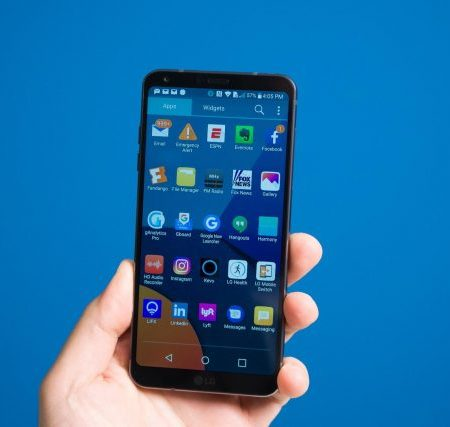 Фотогалерея дня: смартфон LG G6 Mini с экраном диагональю 5,4 дюйма