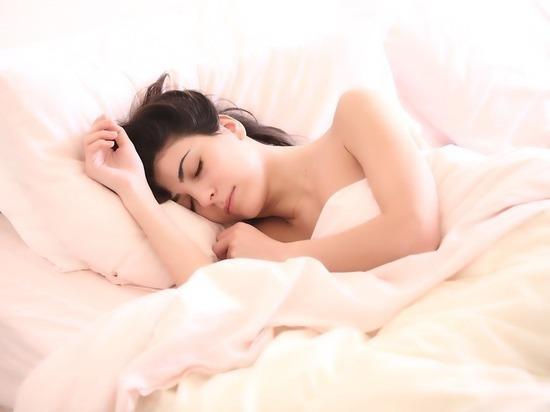 Ученые выяснили, почему не у всех людей получается рано засыпать