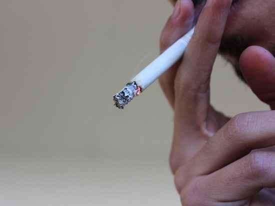 СМИ: ученые выяснили, что курение делает мужчин глупее