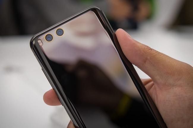 Таможня не дает «добро», потому что об этом просит владелец бренда Xiaomi в России
