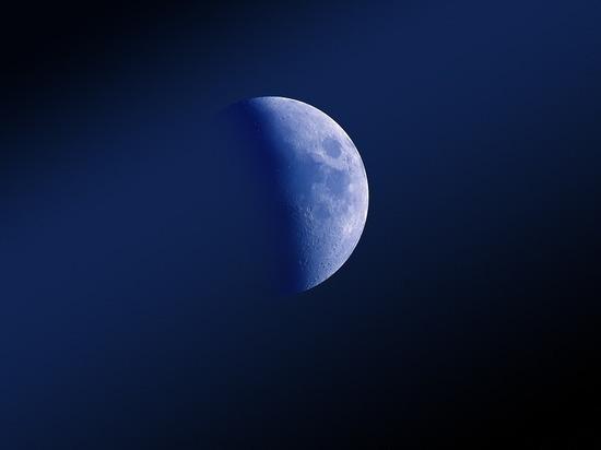 На поверхности Луны уфологи обнаружили танк