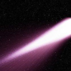 Завтра ночью москвичи увидят в небе комету, несущуюся к Земле