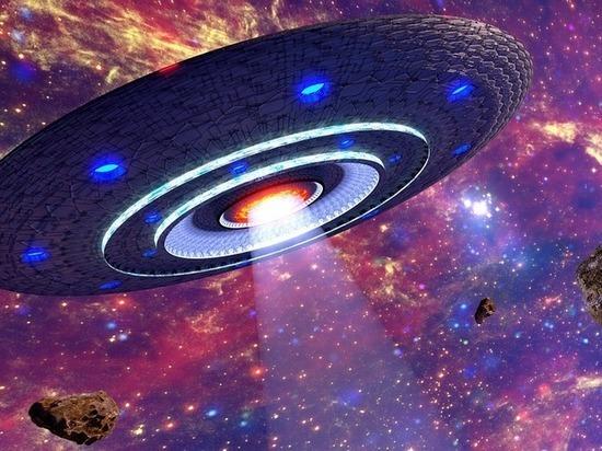 Уфологи заподозрили лунных пришельцев и NASA в тайном сговоре
