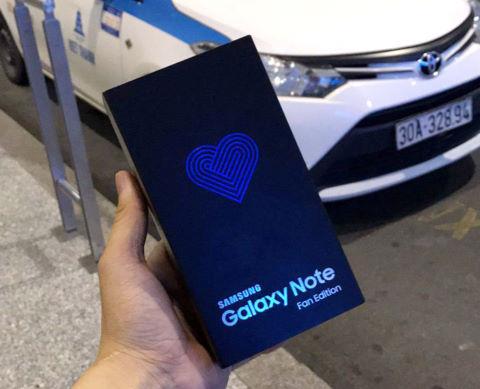 Смартфоны Samsung Galaxy Note FE продаются достаточно хорошо, но компания не собирается наращивать производство