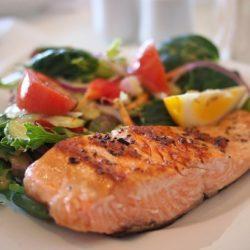 Ученые разобрались, какая диета замедляет старение